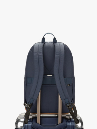 Pacsafe Go 25L Anti-Theft Backpack2