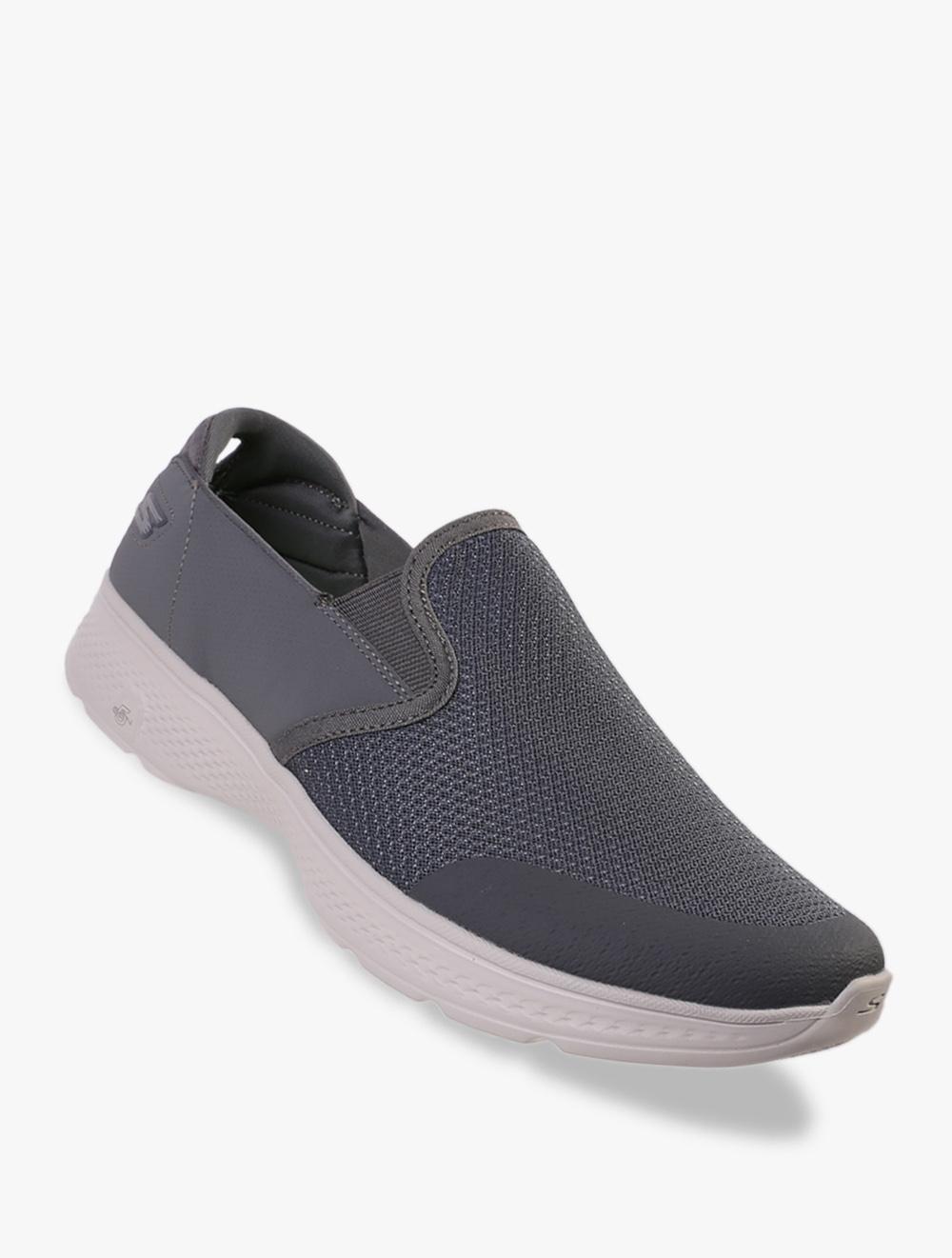 GoWalk 4 - Contain Men's Sneakers Shoes